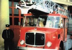 FCB233B  Turntable ladder