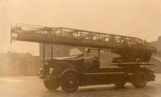 1950's Blackburns' Turntable Ladder